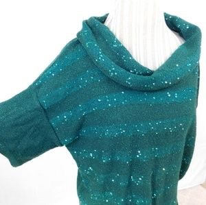 Sparkly glam green scoop neck short sleeve